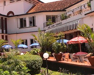 accomodation_in_entebbe_lake_victoria_hotel_1